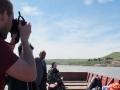 Im Landungsboot beim Übersetzen über den Tigris vom Irak nach Syrien (Foto: Dyfed Loesche)