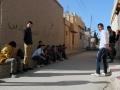 Jugendliche in der Kleinstadt Amouda, dem Sitz der Übergangsregierung von Rojava etwa 30 Kilometer der größten Stadt der Region Qamishli (Foto: Loesche)