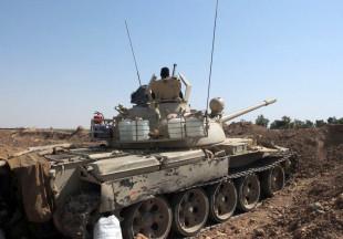 Verschanzter T-55-Panzer der Peschmerga an der Front nahe Kirkuk im Nordirak im Juni 2014 (Foto: Loesche)